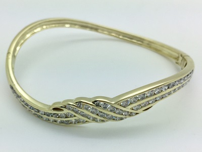 Diamond 14K Gold Bangle Bracelet